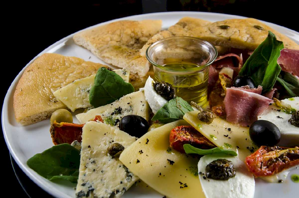 foccacia-with-olives-3411842_1280_ok