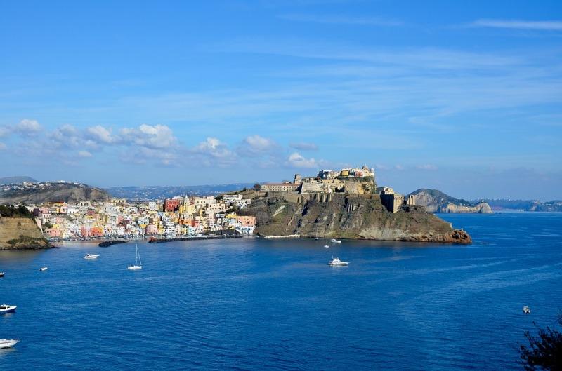 Island-Tourism-Mediterranean-Italy-Procida-3916980